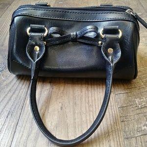 Liz Claiborne Bags - ❇️Vintage CLEAN Liz Claiborne Black Bag w/Cute Bow